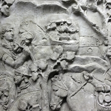 Scene 138/CXXXVIII: Roman soldiers load up valuables that probably represent the treasure hoard of Decebalus.