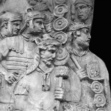 Scene 24/XXIV: Detail of the standard-bearers at the beginning (left side) of the scene.