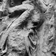 Scene 67/LXVII: Detail of a Dacian wielding an axe or hatchet to chop at a tree in order to build a palisade. From cast #171, now in the Museo della Civiltà Romana, Rome. Compare Cichorius Pl. XLVIII scene 67 and Coarelli Pl. 75.  Ref: RBU2011.7168.